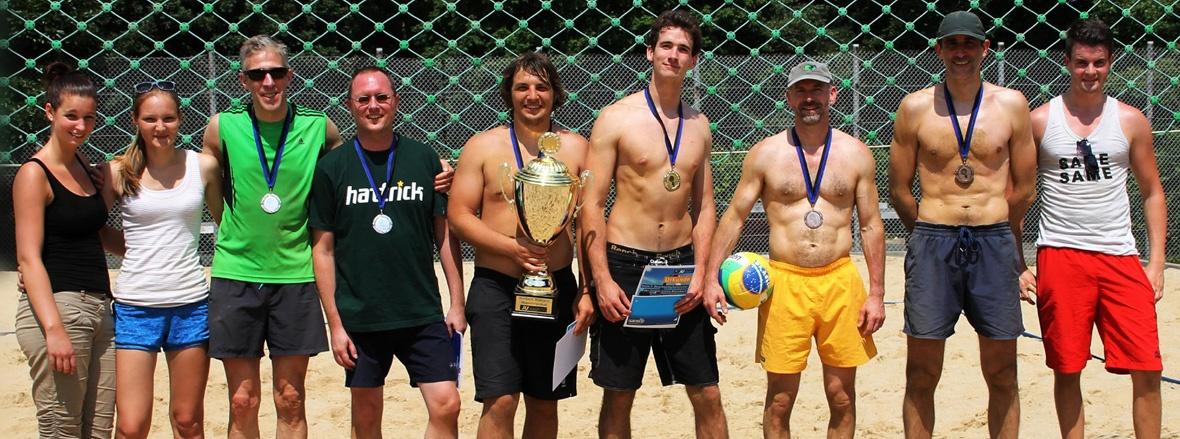 Beach-Volleyball im Freizeitpark